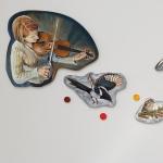 Violinister och musikfåglar - vinyl och olja på konstursågad MDF 115 x 317 cm<br/>© Kristina Nilsdotter/Bildupphovsrätt 2018